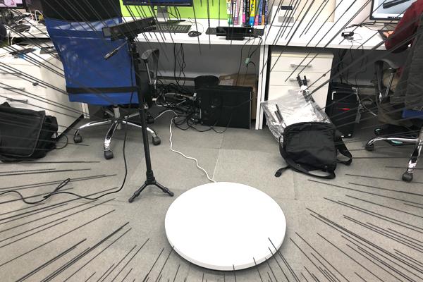 謎の白いテーブルとKinect
