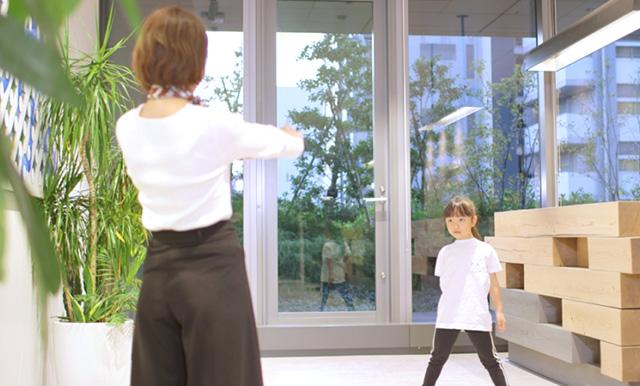 撮影 ユーザーがスマホでダンスを撮影