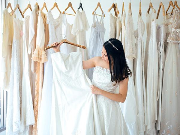 ドレス、着物など着替えが大変な衣装の仮試着に